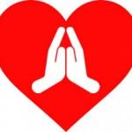 Corazón y manos rezando